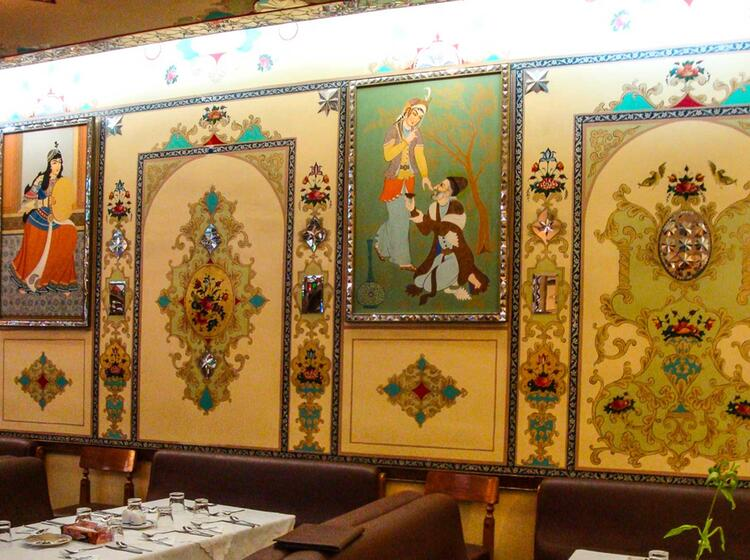 Abendessen In Teheran Bei Der Trekkingtour Damavand