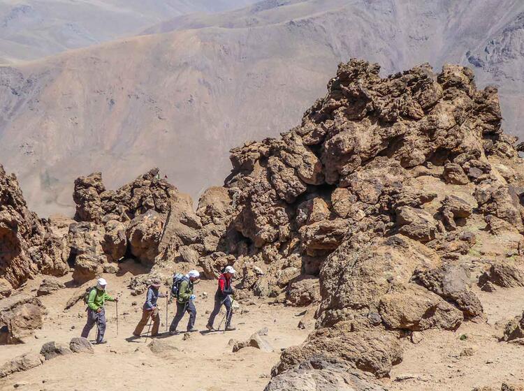 Akllimatisation Am Sabalan Waehrend Der Trekkingreise In Den Iran