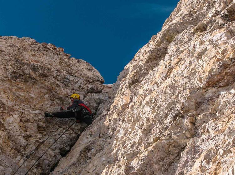 Alpinkletterkurs In Den Dolomiten Und Am Gardasee