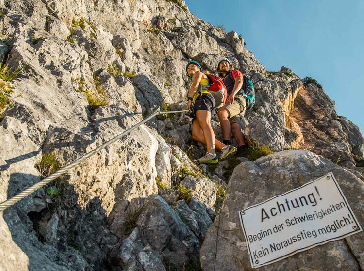 Am Beginn Der Schwierigkeiten Am Untersberg Klettersteig