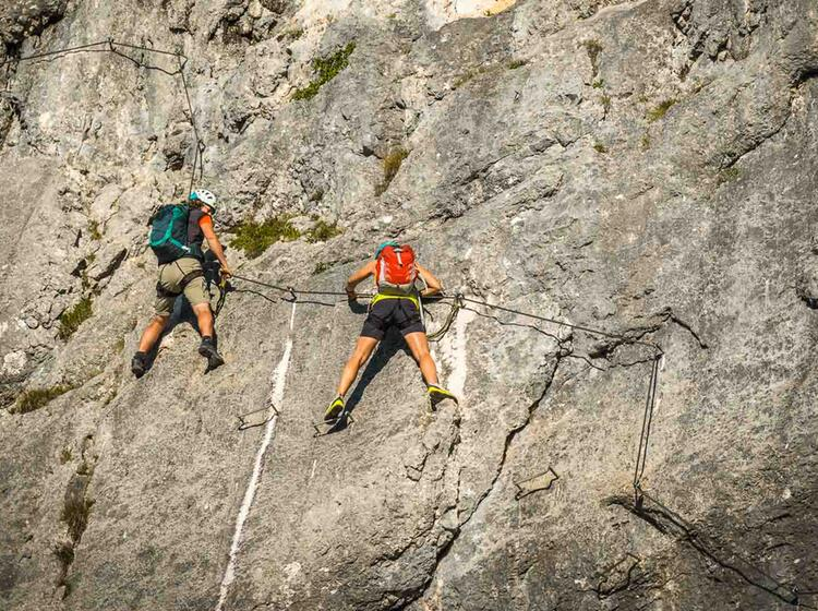 Am Gefuehrten Klettersteig In Berchtesgaden Am Untersberg
