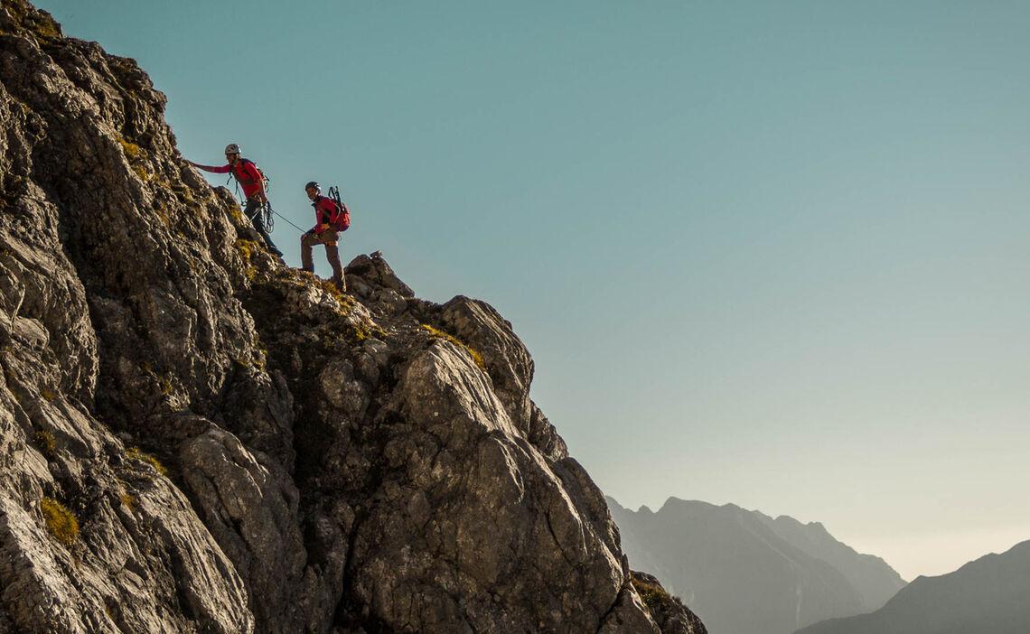 Am Kurzen Seil Des Bergfuehrers In Der Watzmann Ostwand