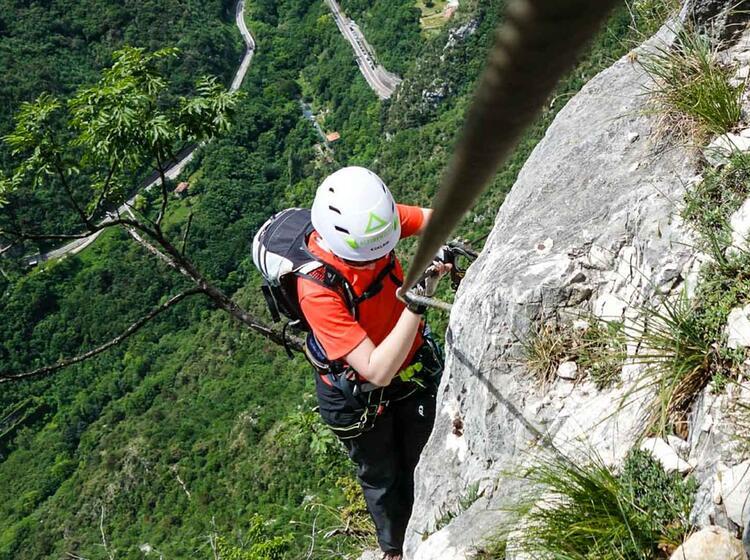 Anspruchsvoller Klettersteig Am Kurs Am Gardasee