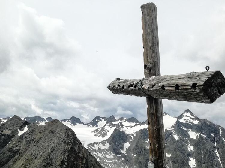 Ausblick In Die Gletscherberge Auf Der Alpenueberquerung