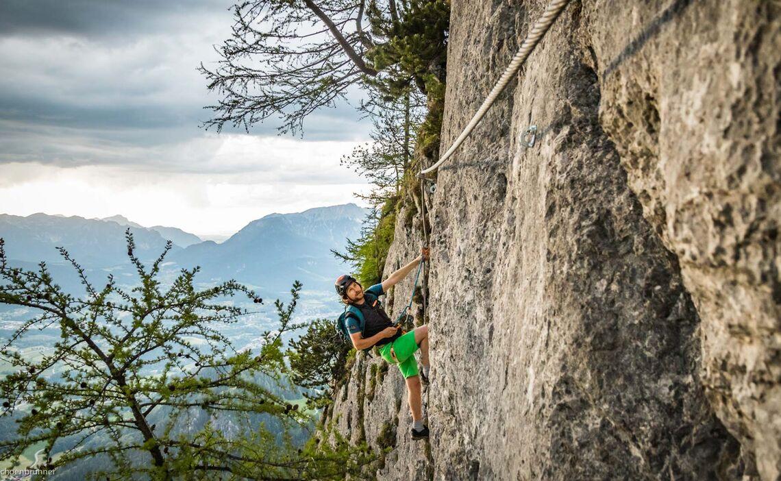 Ausgesetzte Klettersteigpassage Am Jenner Klettersteig Laxersteig