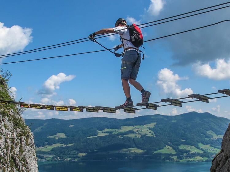 Begehen Von Haengebruecken Am Klettersteigkurs Fuer Anfaenger