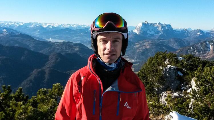 Bergfuehrer Und Skilehrer Joerg Rauschenberger Am Tiefschneekurs
