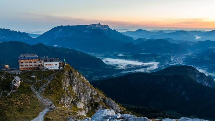 Das Watzmann Haus Am Morgen Vor Der Gipfelbesteigung