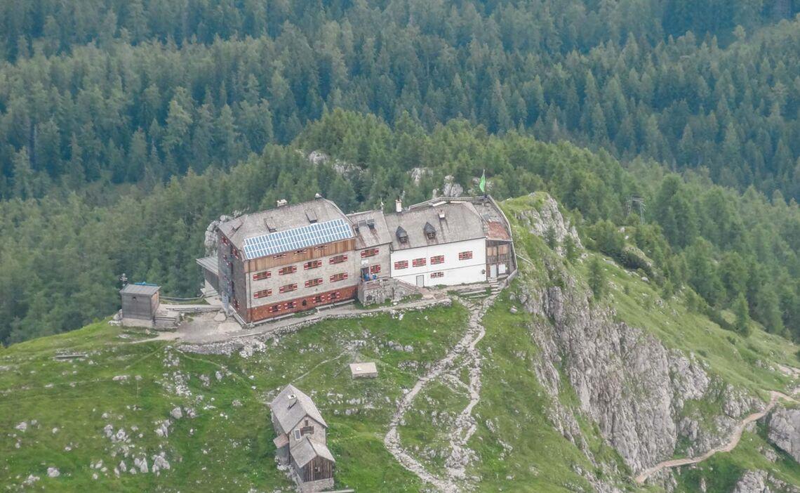 Das Watzmannhaus Ist Wander Stuetzpunkt In Berchtesgaden