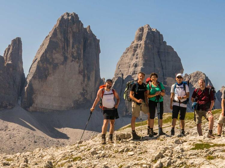 Das Ziel Der Alpenueberquerung Sind Die Drei Zinnen