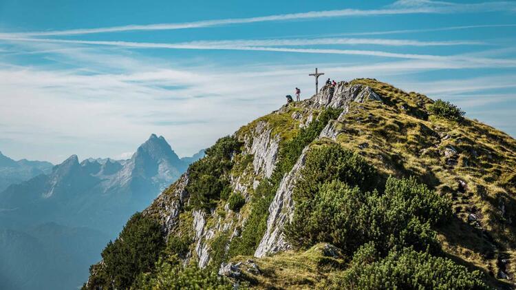 Der Untersberg Gipfel Mit Blick Auf Den Watzmann