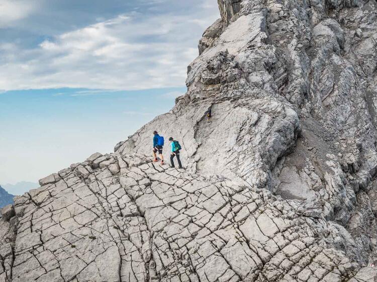 Die Anspruchsvolle Bergtour Ueber Den Watzmann Ist Die Ueberschreitung Von Hocheck Mittelspitze Und Suedspitze