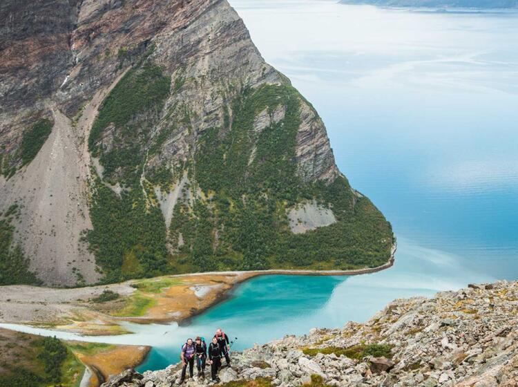 Einsames Wandern In Norwegen Mit Fuehrer