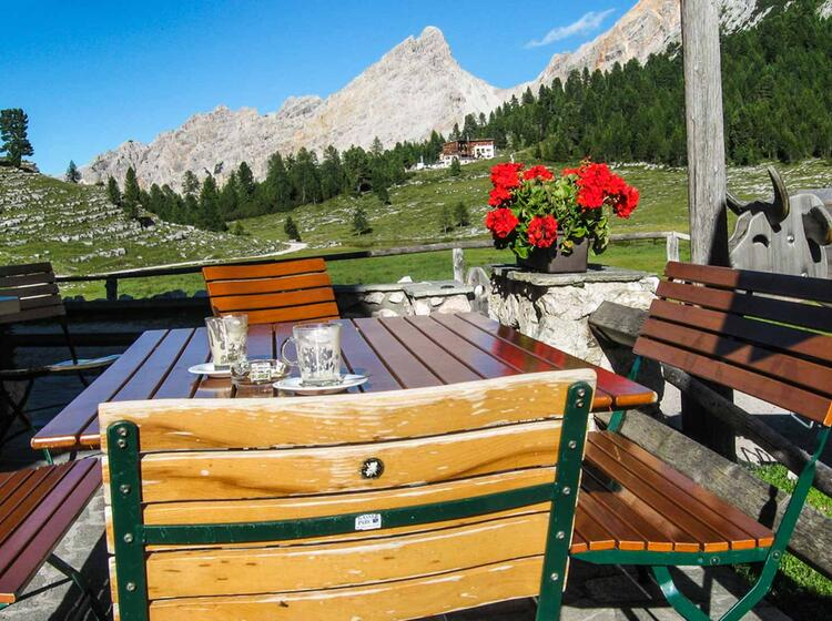 Fanes Wandergebiet In Den Dolomiten