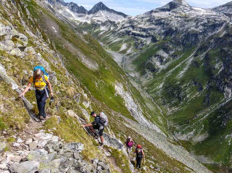 Gefuehrte Alpenueberquerungen Auf Dem E5