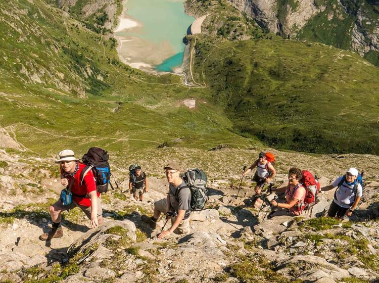 Gefuehrtes Bergwandern Ueber Die Alpen Zu Den Drei Zinnen
