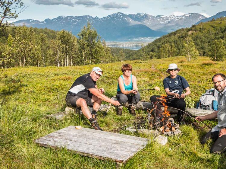 Grillen Wandern Fischen Abenteuer Wandern In Norwegen