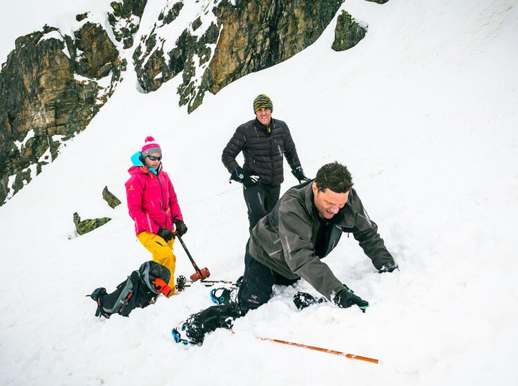 Lawinenverschu Ttetensuche Auf Dem Skitourenkurs Silvretta Jamtalhu Tte