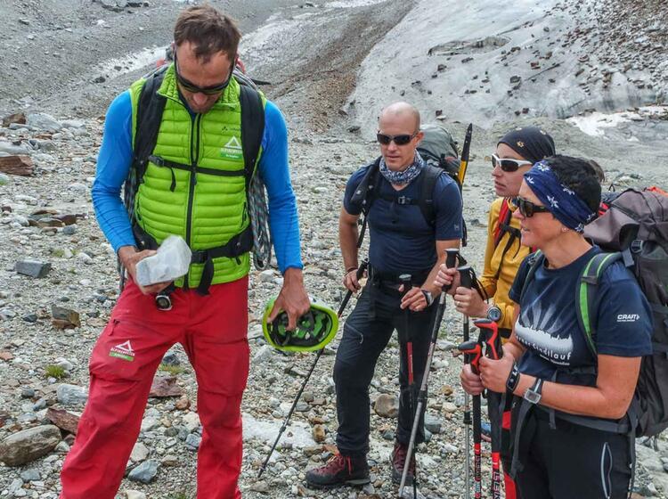 Mit Bergfuehrer Auf Den Piz Buin In Der Silvretta