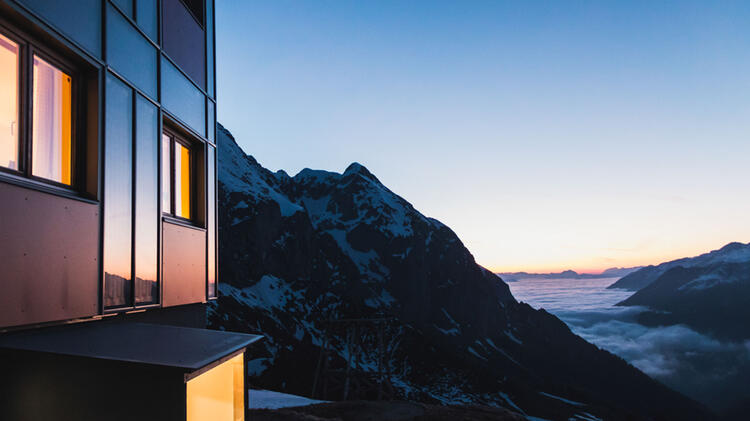 Morgenstimmung Am Schneibsteinhaus Auf Der Skitour In Berchtesgaden