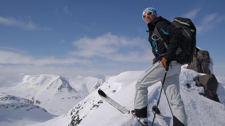 Rauschenberger Joerg Ist Erfahrener Bergfuehrer In Island