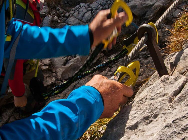 Richtiges Umhaengen Am Klettersteig