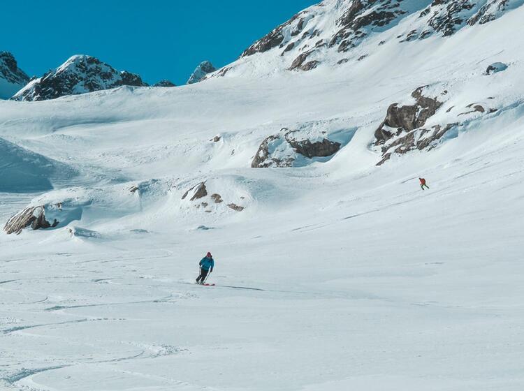 Skitourenkurs Und Tiefschneekurs Fuer Einsteiger Auf Der Heidelbergerhuette