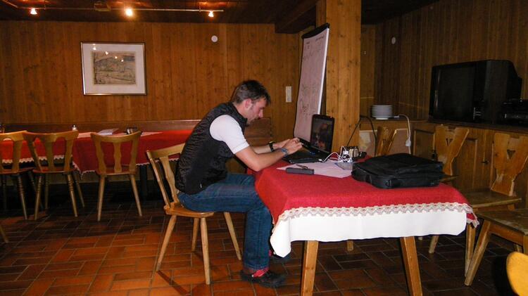Theorieunterricht Bei Der Skitourenwoche Silvretta Auf Der Heidelberger Hu Tte