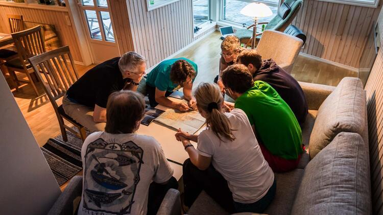 Tourenbesprechung Bei Der Skitouren Reise Lofoten Norwegen