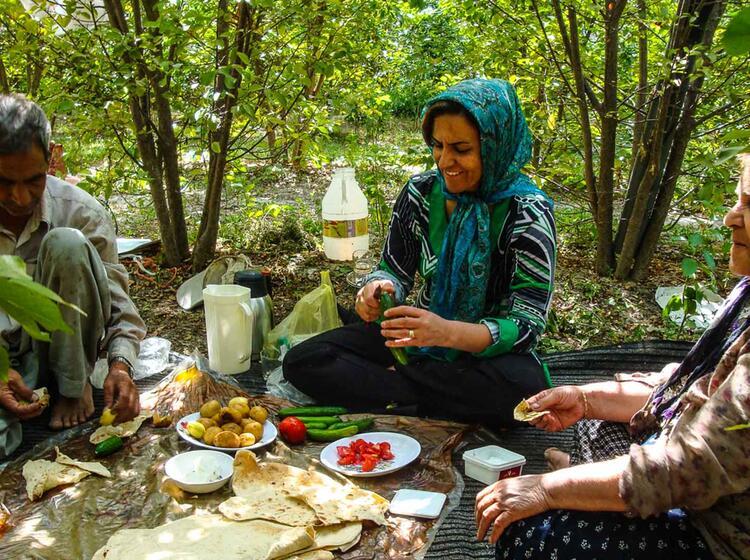 Traditionelle Zubereitung Der Speisen Im Iran Auf Trekkingreise
