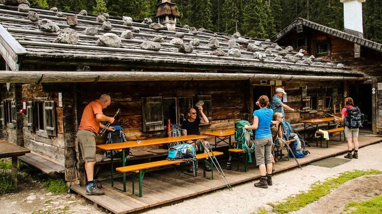 Traumhafter Huetten Stuetzpunkt Ist Die Wasseralm Im Nationalpark Berchtesgaden