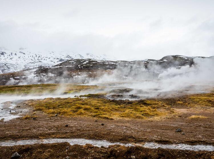Vulkanische Aktivitaet Am Geysir In Island Reykjavik